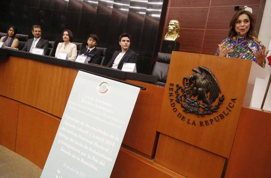 Senadora Josefina Vázquez Mota, durante la reunión de la Comisión de los Derechos de la Niñez y la Adolescencia