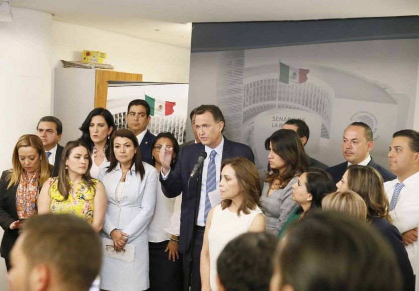 Conferencia de prensa concedida por las y los senadores del PAN