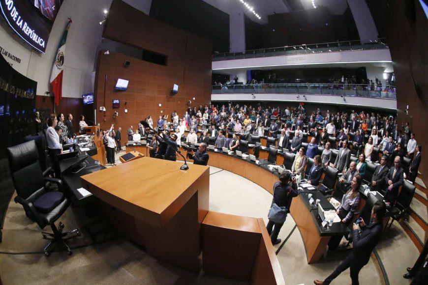 Senadores del PAN durante la clausura del periodo ordinario de sesiones del Senado de la República.