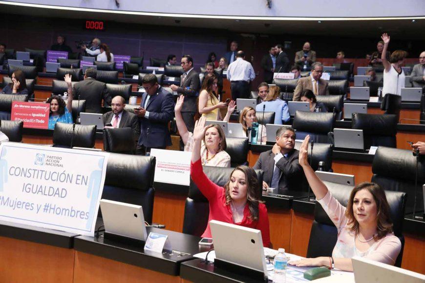 Senadsores del PAN durante la sesión del martes 14 de mayo del Periodo Extraordinario