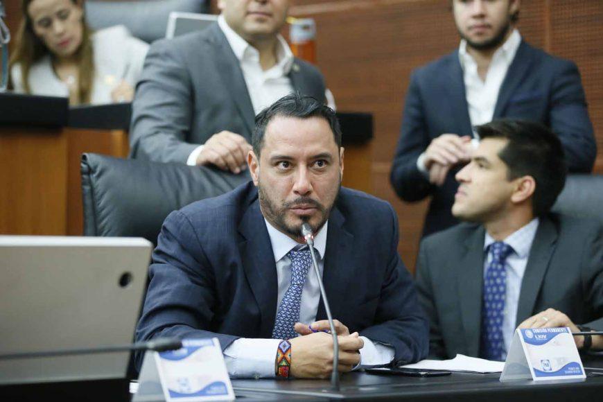Senador Raúl Paz Alonzo, al intervenir desde su escaño