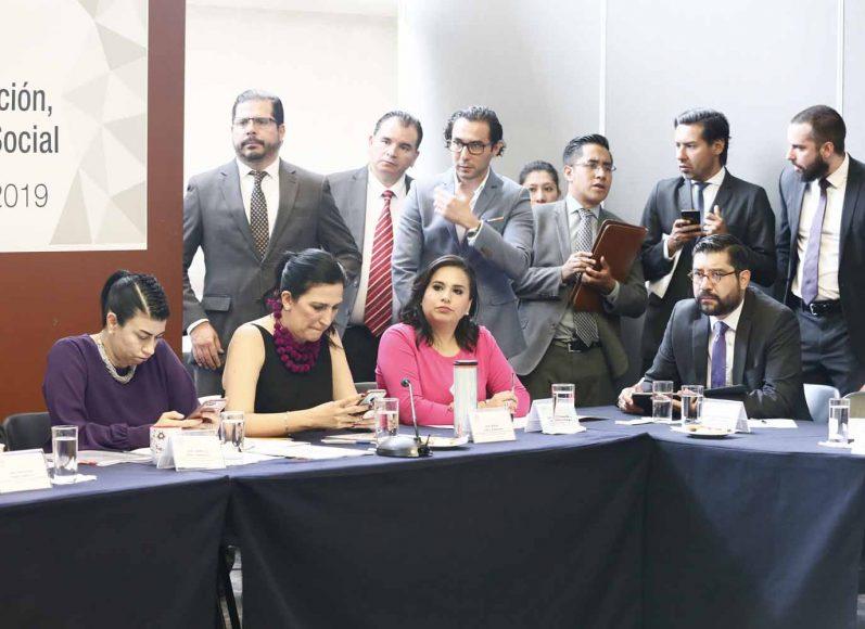 Participación de las senadoras del PAN Xóchitl Gálvez Ruiz, Kenia López Rabadán y Mayuli Latifa durante la reunión de las Comisiones Unidas de Anticorrupción, Transparencia y Participación Ciudadana, y de Trabajo y Previsión Social.