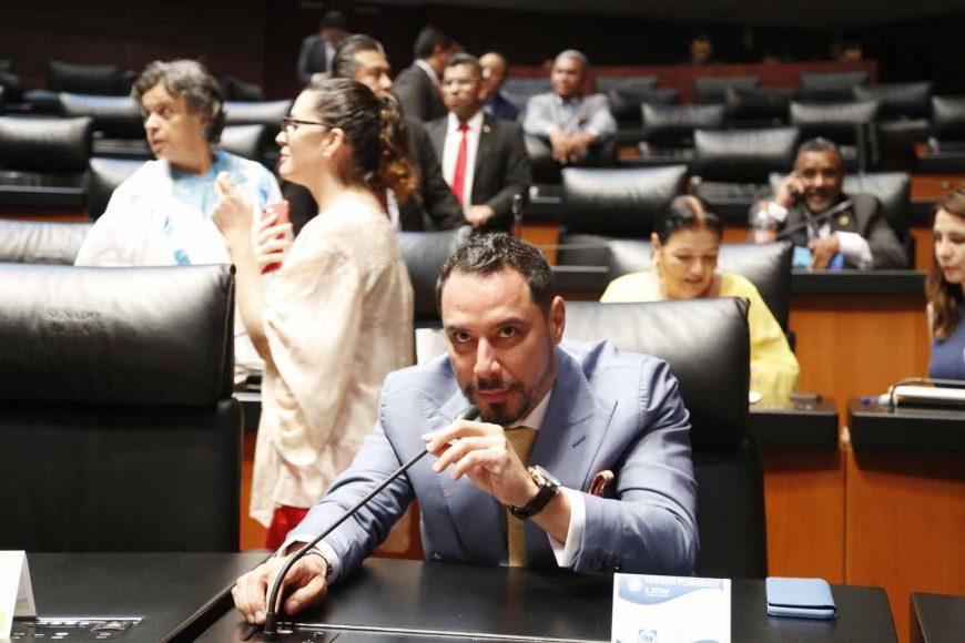 Senador Raúl Paz Alonzo, al intervenir desde su escaño.