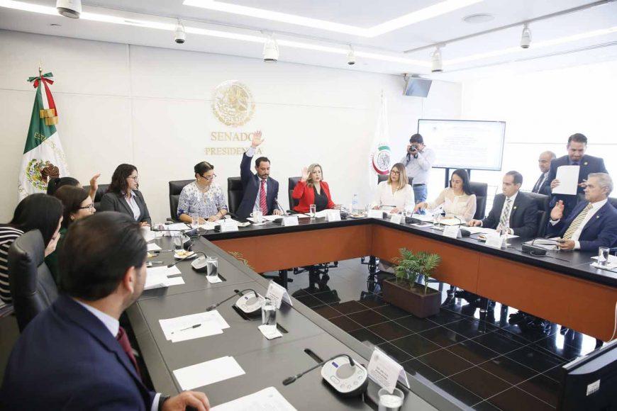 Reunión ordinaria de la Primera Comisión, de Gobernación, Puntos Constitucionales, y de Justicia, que preside el senador Raúl Paz Alonzo, del PAN.