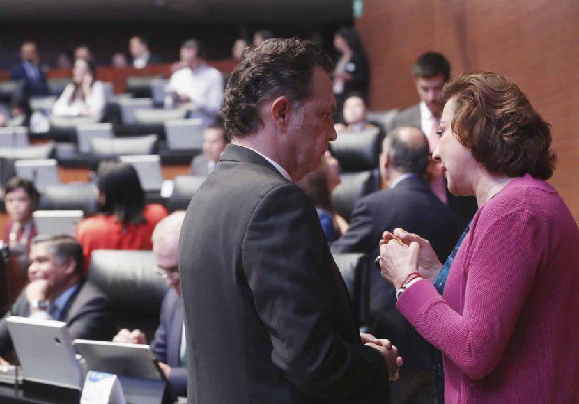 Senadores del PAN durante la sesión de la Comisión Permanente
