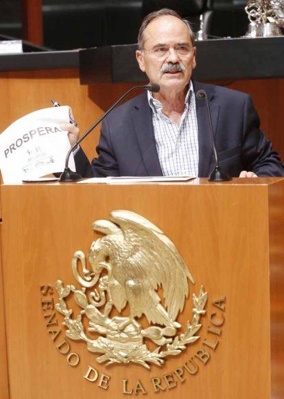 Senador Gustavo Madero Muñoz al participar en tribuna