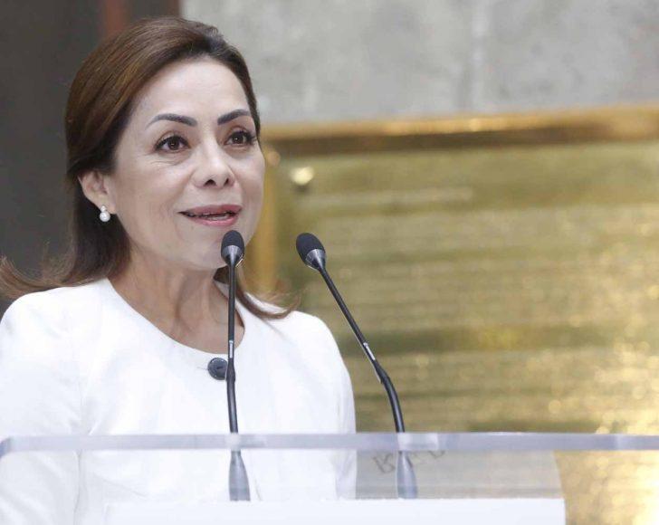 """Participación de la senadora Josefina Vázquez Mota en el Foro: """"La gente grande trabaja, sabe, convive, lucha y participa""""."""