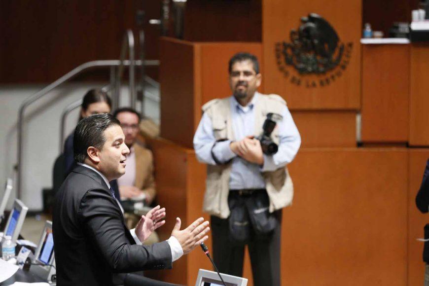 Intervención desde su escaño del senador Damián Zepeda Vidales para solicitar se aborde al apartado de puntos de acuerdo y no se clausure la sesión y, en ese sentido, abordar el punto de acuerdo por el que se solicita la reunión de trabajo con los titulares de la Secretaría de Gobernación y de la Secretaría de Seguridad Pública y Ciudadana.