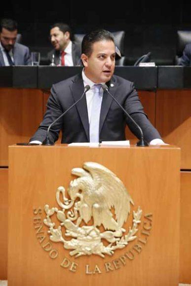 Senador Damián Zepeda Vidales al intervenir en tribuna.
