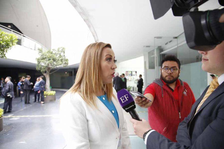 Entrevista a la senadora del PAN, Alejandra Reynoso Sánchez, previa al inicio de la sesión ordinaria.