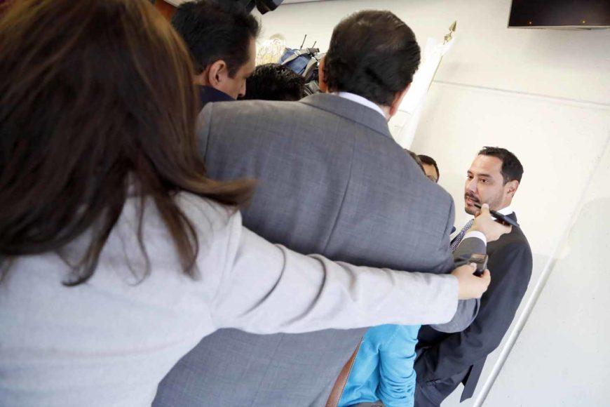 Entrevista concedida por el senador Raúl Paz Alonzo, al término de la reunión de la Primera Comisióncopia