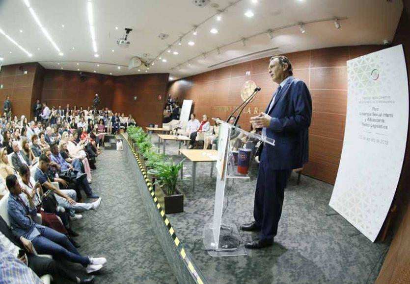 """Senador Mauricio Kuri González, en la inauguración del Foro """"Violencia Sexual Infantil y Adolescente: Retos Legislativos"""""""