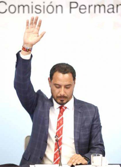 Senadora Raúl Paz Alonzo durante la quinta reunión ordinaria de Gobernación, Puntos Constitucionales y de Justicia de la Comisión Permanente