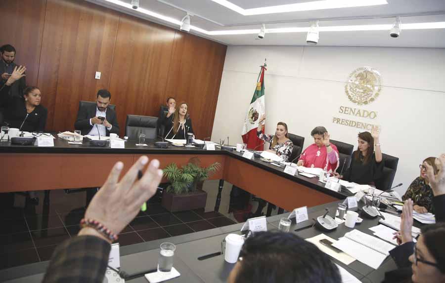 Primera y segunda intervención de la senadora Alejandra Reynoso para referirse a un punto de acuerdo por el que se solicita a la Secretaría de Salud la implementación de acciones encaminadas a proporcionar a los sistemas de salud estatales las vacunas necesarias para dar cumplimiento al programa de vacunación de niñas y niños del país