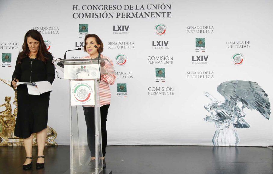 Senadora Guadalupe Murguía durante la conferencia de prensa ofrecida por legisladores del PAN.