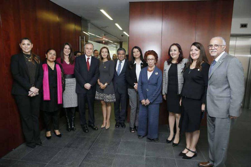 El senador panista Víctor Fuentes Solís durante la toma de protesta a Embajadores de México en diversos países del mundo.
