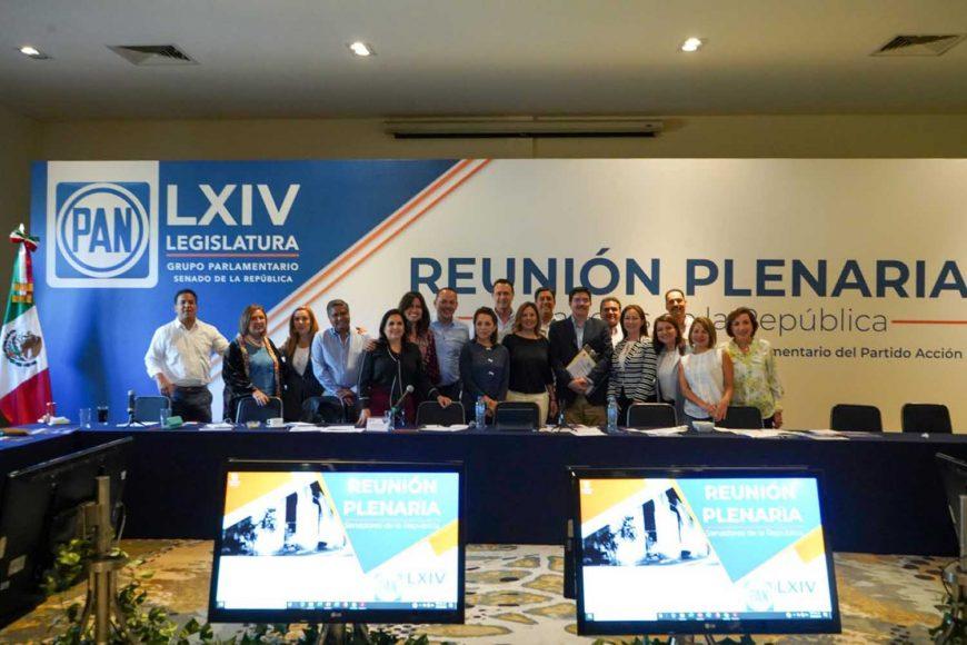 Los integrantes de la bancada panista llevan a cabo el taller de Agenda Legislativa, con el maestro Manuel J. Molano, Director General del Instituto Mexicano para la Competitividad (IMCO), rumbo al inicio del próximo periodo de sesiones.(1)