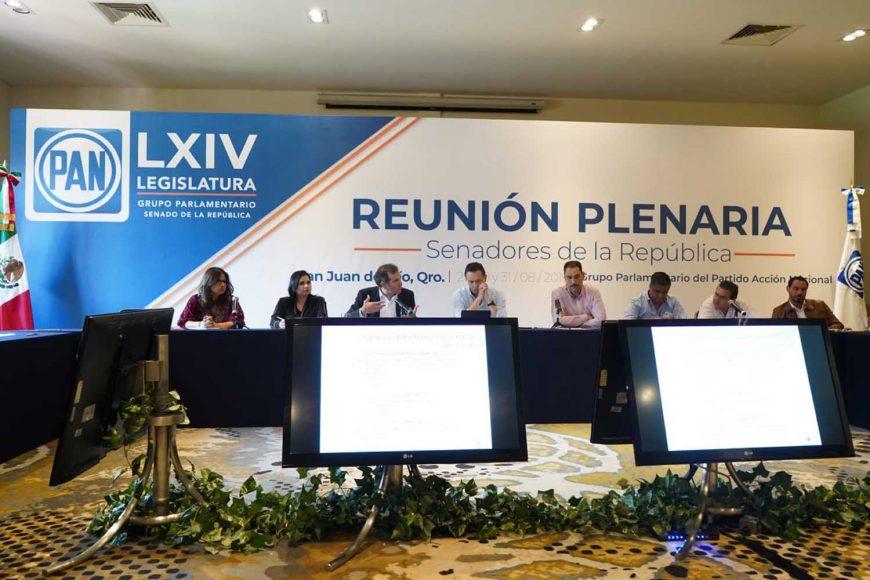 Se reúnen senadoras y senadores de GPPAN con el Consejero Presidente del Instituto Nacional Electoral (INE), Lorenzo Córdova Vianello, en el marco de su reunión plenaria.