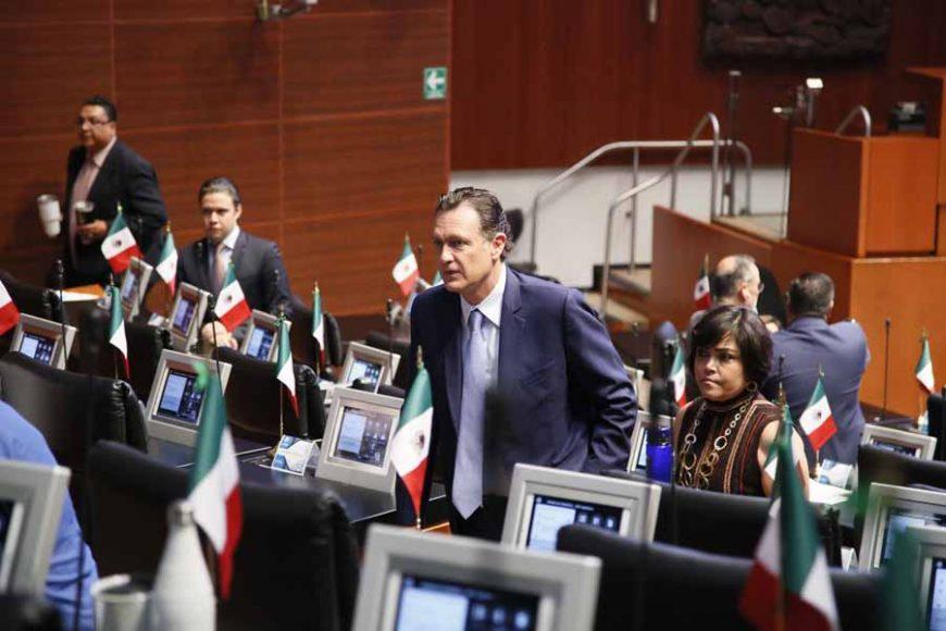 Coordinador del Grupo Parlamentario del Partido Acción Nacional, Mauricio Kuri, durante los trabajos de la sesión ordinaria.