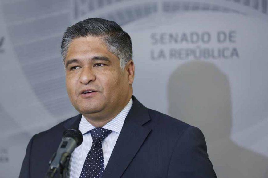 Conferencia de prensa concedida por el senador Víctor Fuentes Solís