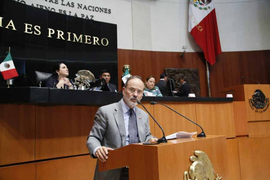 Senador Gustavo Madero Muñoz, al intervenir en Tribuna