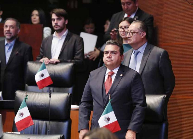 Senadoras y senadores del Grupo Parlamentario de Partido Acción Nacional durante los trabajos de la sesión ordinaria.