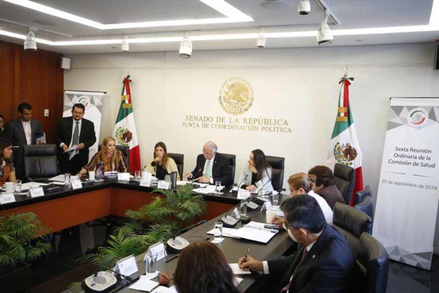 Las senadoras del PAN Alejandra Reynoso Sánchez, Martha Márquez Alvarado e Indira Rosales San Román, durante la reunión de trabajo de la Comisión de Salud.