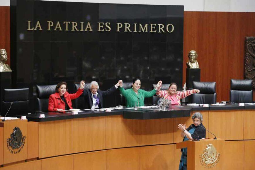 Senadores del PAN durante la comparecencia de la titular de la Secretaría de Gobernación