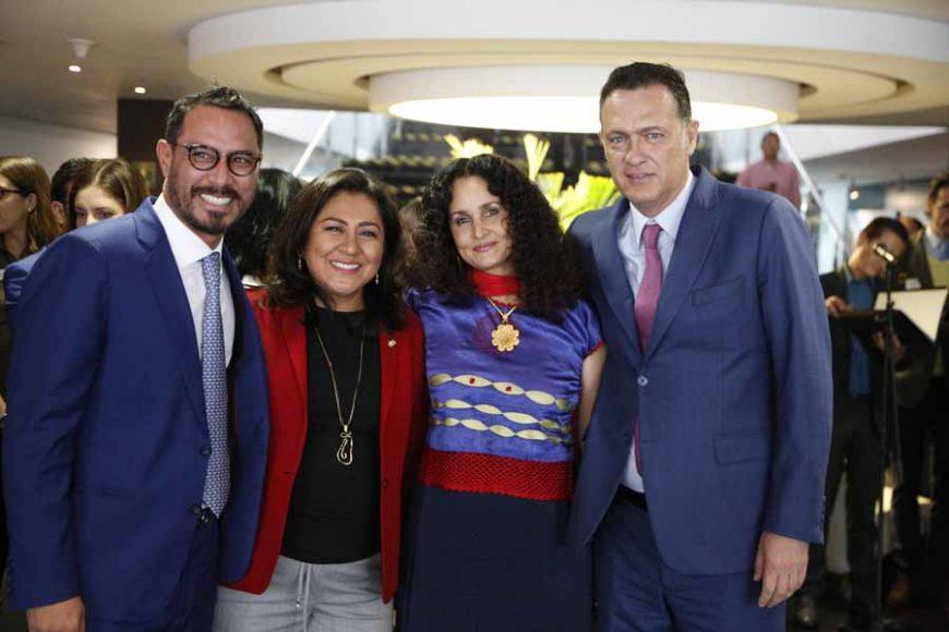 """Participación del senador Raúl Paz Alonzo, durante la inauguración de la exposición pictórica """"¿Qué c@%$#@s es el amor?"""""""