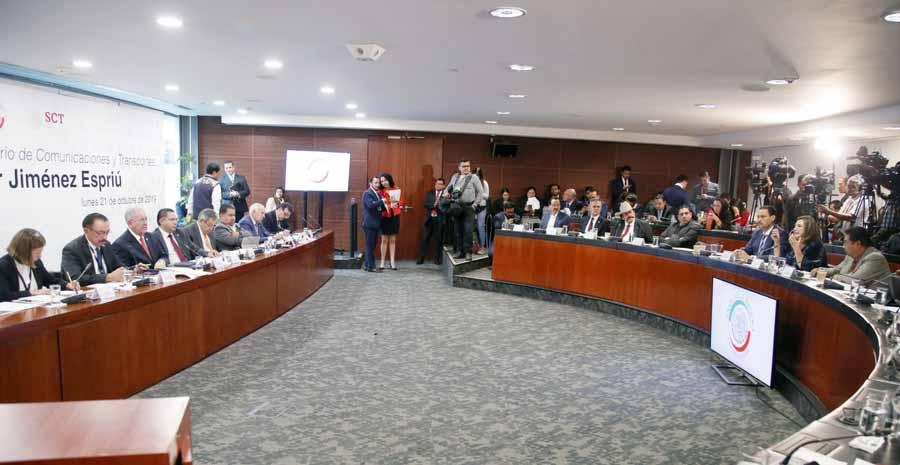 Pregunta de la senadora Xóchitl Gálvez Ruiz a Javier Jiménez Espriú, secretario de Comunicaciones y Transportes, en la comparecencia del funcionario federal ante la Comisión de Comunicaciones y Transportes.