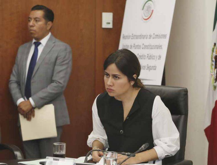 Participación de la senadora del PAN Indira Rosales San Román, durante la reunión de la Comisión de Hacienda y Crédito Público.