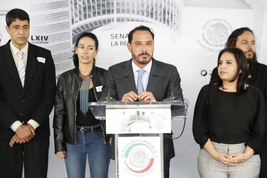 """Conferencia de prensa del senador Raúl Paz Alonzo, para hablar sobre la """"Jornada de Agua, Mares y Océanos""""."""