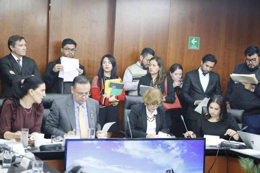 Participación de la senadora panista Kenia López RAbadán durante la reunión de de la Comisión de Trabajo y Prevision Social.