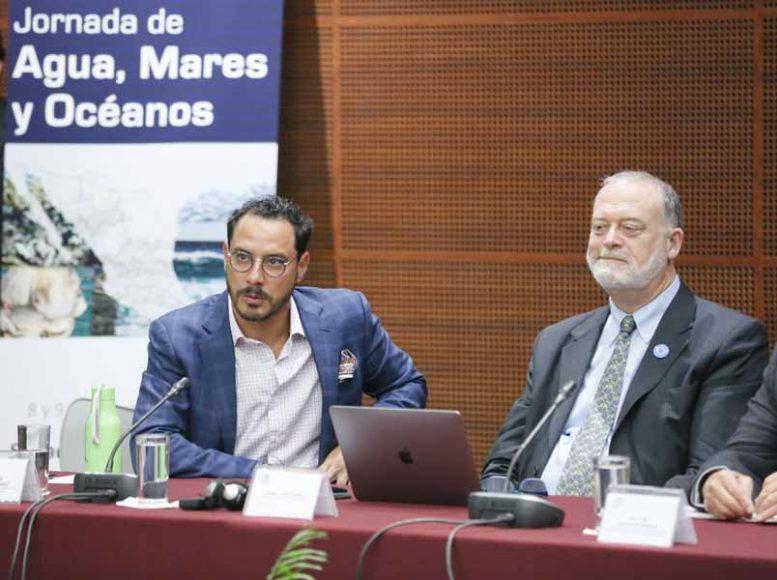 """Senador Raúl Paz Alonzo, durante el Foro """"Jornadas de Agua, Mares y Océanos"""""""