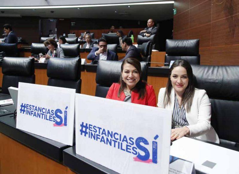 Senadoras del PAN Martha Cecilia Márquez Lupita Saldaña Cisneros durante la sesión ordinaria
