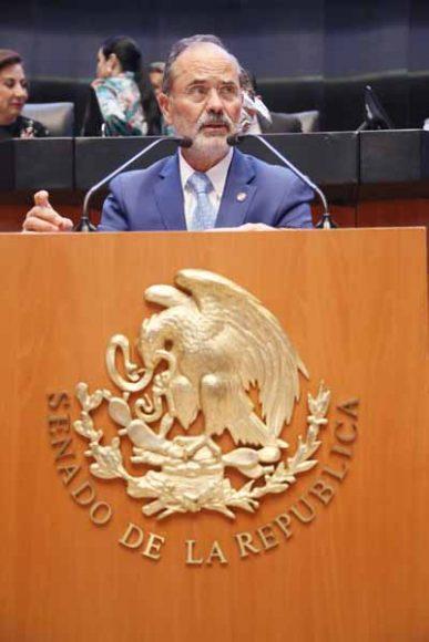 Intervención en tribuna del senador Gustavo Madero Muñoz para presentar un dictamen de las comisiones Unidas de Economía; y de Estudios Legislativos, Segunda, con proyecto de decreto por el que se reforman y adicionan diversos artículos de la Ley Federal de Protección al Consumidor; de la Ley de Protección y Defensa al Usuario de Servicios Financieros; y de la Ley Federal de Telecomunicaciones y Radiodifusión.