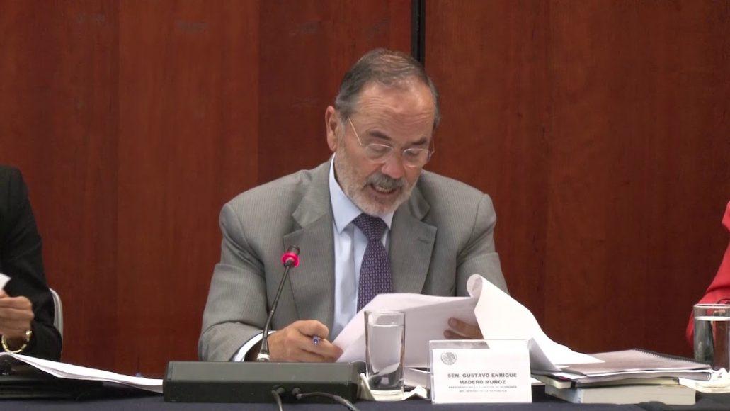 Senador Gustavo Madero Muñoz, durante la reunión de comisiones unidas de Economía