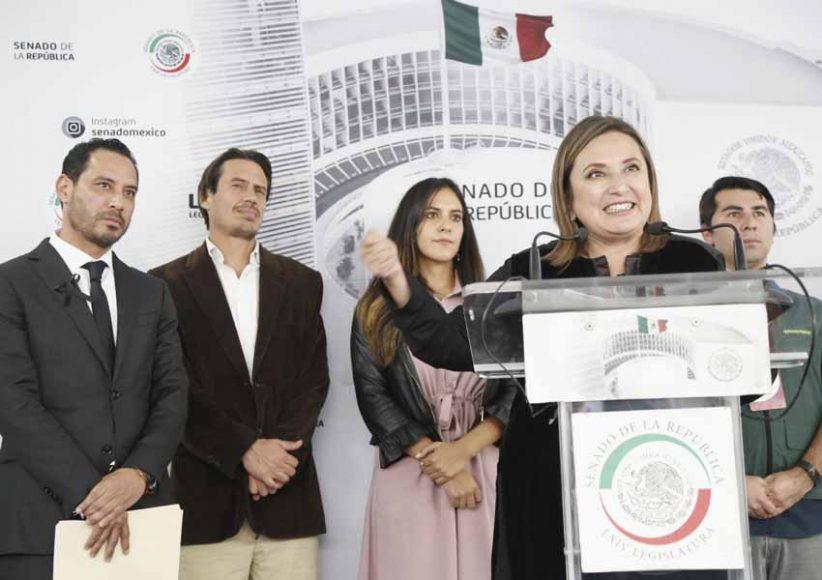 Conferencia de prensa de la senadora Xóchitl Gálvez Ruiz y, en conjunto con senadoras y senadores de diversos grupos parlamentarios y organizaciones de la sociedad civil, para anunciar su respaldo a la iniciativa ciudadana de reformas a la Ley General para la Prevención y Gestión Integral de los Residuos.