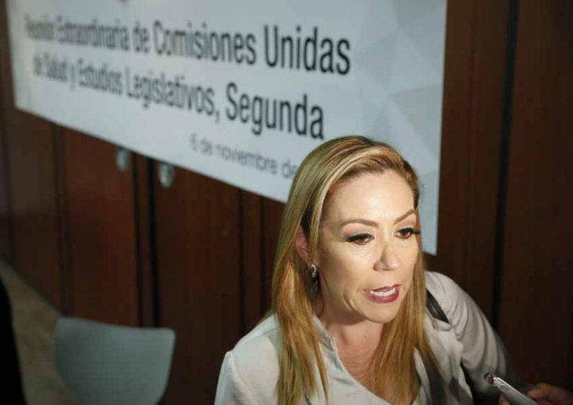 Entrevista a la senadora Alejandra Reynoso Sánchez al término de la reunión de las Comisiones Unidas de Salud y Estudios Legislativos, Segunda