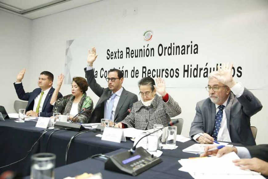 Senador Raúl Paz Alonzo, en la reunión de la Comisión de Recursos Hidráulicos
