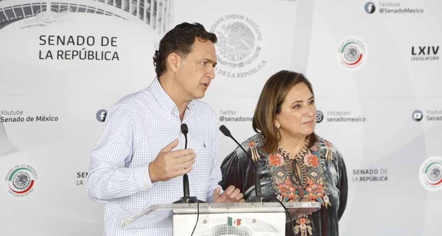 Conferencia de prensa ofrecida por la senadora Xóchitl Gálvez Ruiz y el Coordinador de los senadores del PAN, Mauricio Kuri González