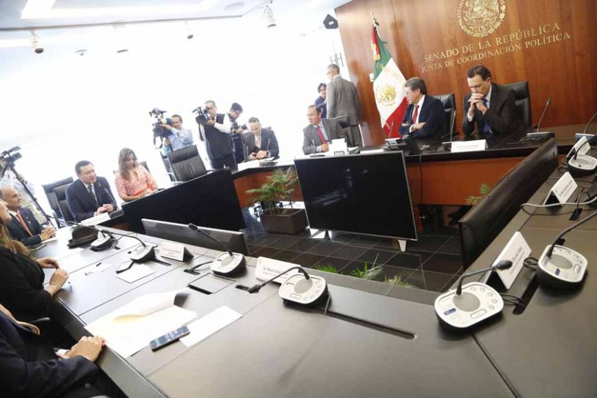 El Coordinador de las senadoras y senadores del GPPAN, Mauricio Kuri González, durante una reunión en la Junta de Coordinación Política.
