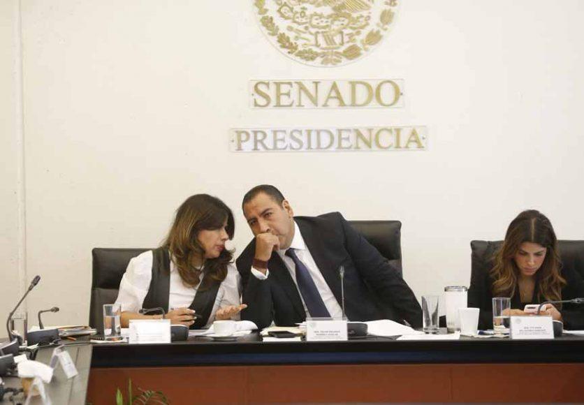 IMG_20191Participación de las senadoras del PAN Indira Rosales San Román y Xóchitl Gálvez Ruiz, en la reunión de las comisiones unidas de Puntos Constitucionales y de Estudios Legislativos Segunda.128_101404
