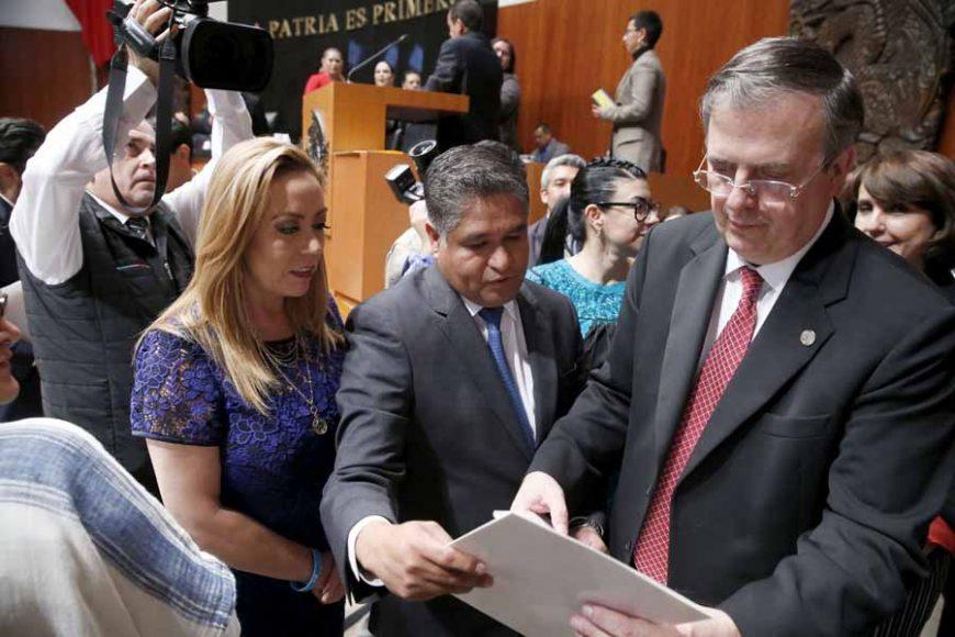 Pide Víctor Fuentes a Marcelo Ebrard que cancele asilo a Evo Morales