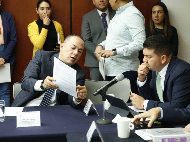 Participación de los senadores del PAN Erandi Bermúdez Méndez y Juan Antonio Martín del Campo, durante la reunión de la Comisión de Agricultura, Ganadería, Pesca y Desarrollo Rural.