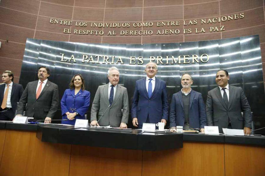 Senadoras y senadores del PAN durante la reunión del Protocolo Modificatorio al Tratado entre los Estados Unidos Mexicanos, Estados Unidos de América y Canadá (T-MEC).