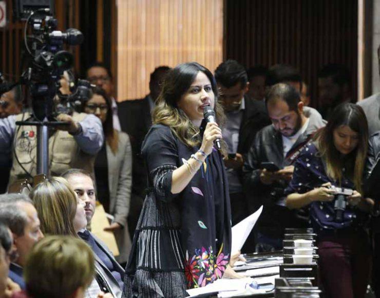 Intervención desde su curul de la senadora Indira Rosales San Román para referirse al orden del día, durante la sesión ordinaria de la Comisión Permanente del Congreso de la Unión.