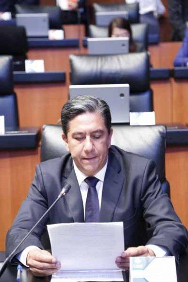 Intervención desde su escaño del senador Marco Antonio Gama Basarte, para referirse a la manifestación del 1er de diciembre del Ángel de la Independencia al Monumento a la Revolución