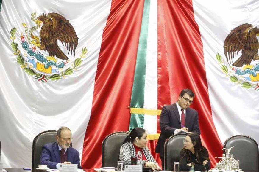 La senadora del PAN Xóchitl Gálvez Ruiz y los senadores Damián Zepeda Vidales y Gustavo Madero Muñoz, durante los trabajos de la sesión de la Comisión Permanente.