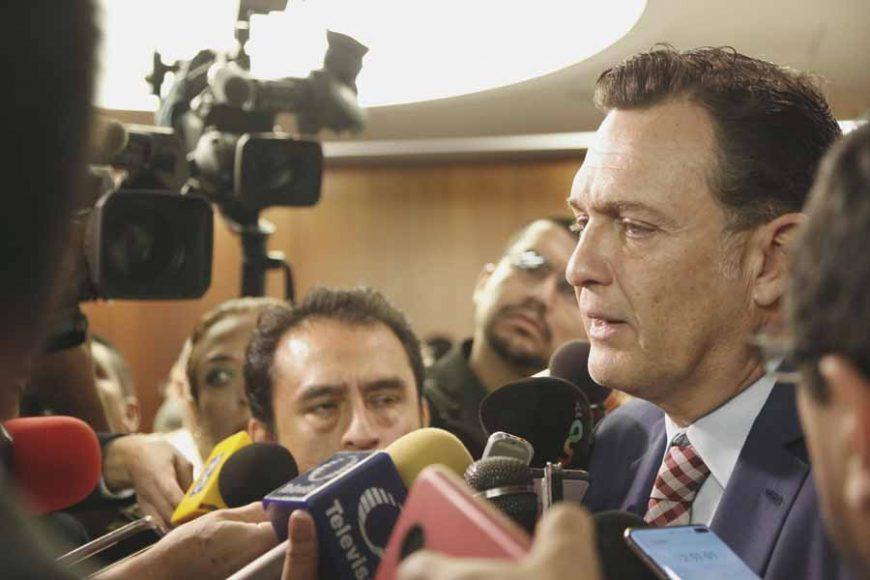 Atención a medios del Coordinador del GPPAN, Mauricio Kuri González, posterior al anuncio de la presentación de la reforma al sistema de justicia.